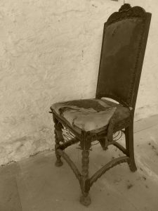 old chair, moving tips